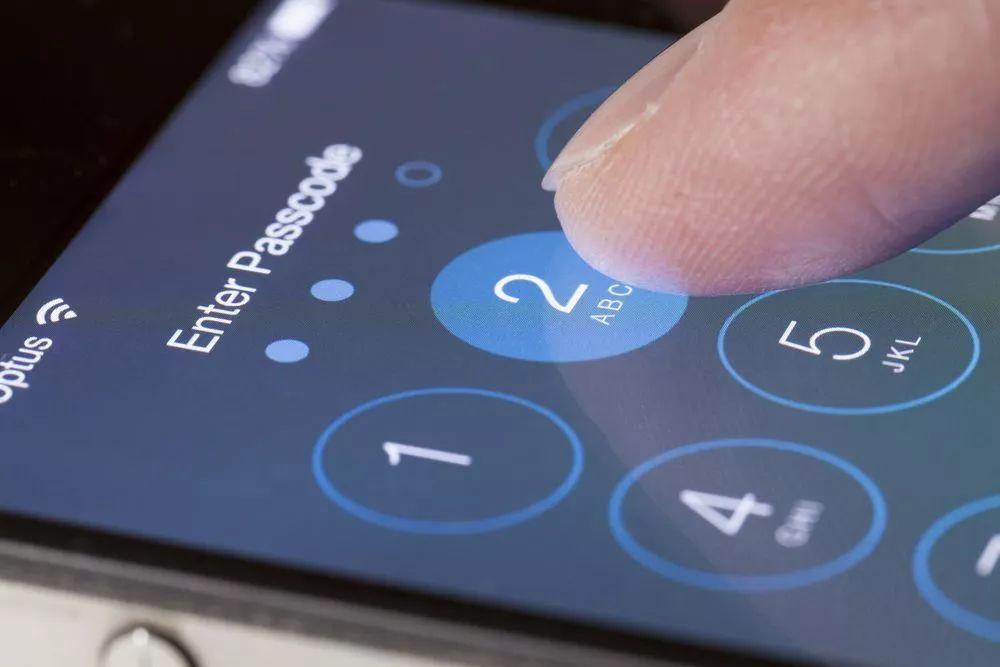 你买到iPhone11了吗?iOS13新漏洞允许绕过锁屏,访问你的联系人!